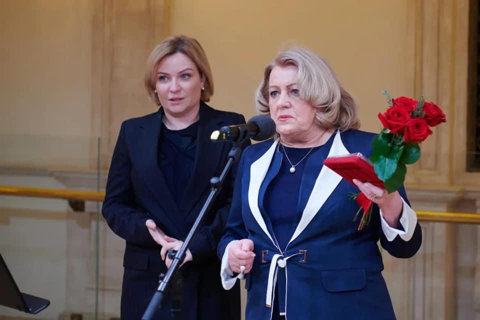 lyubimova 2 - День работника культуры отмечается сегодня в России