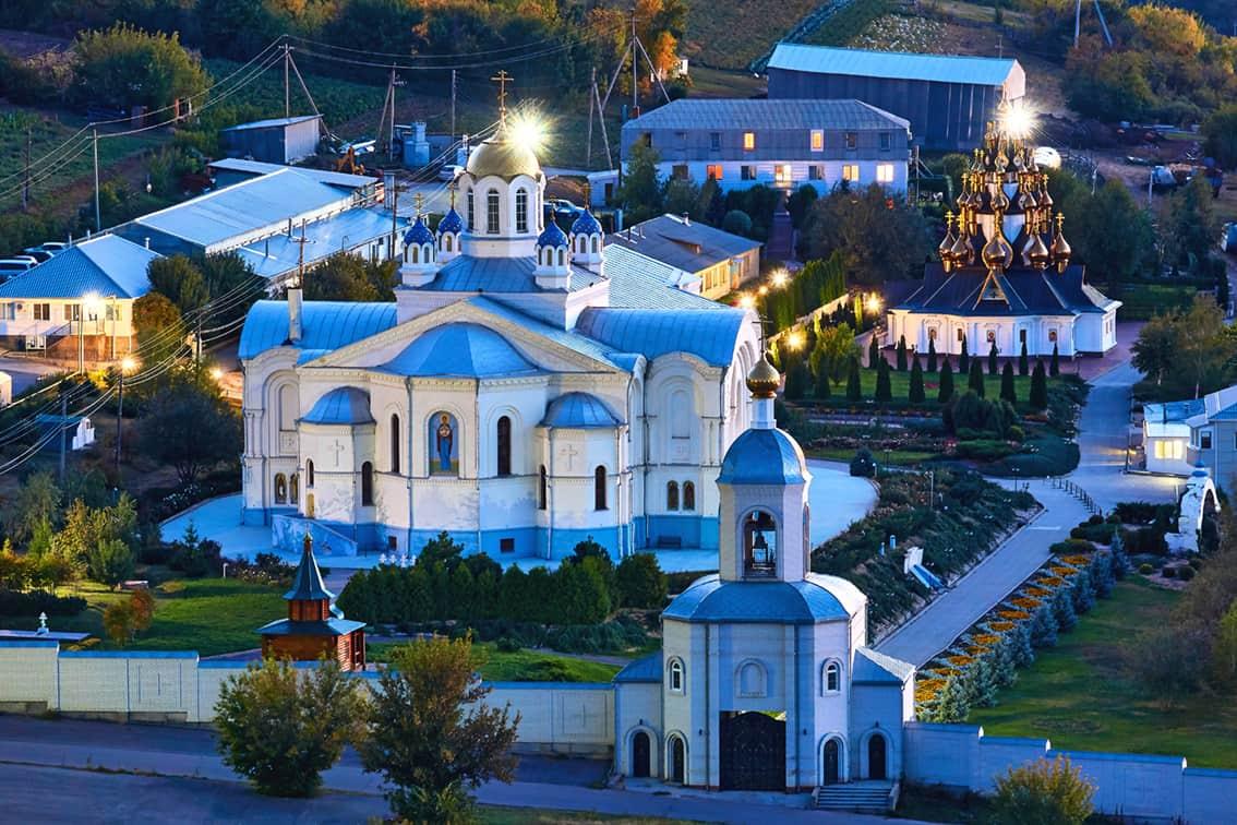 Город Серафимович - храм