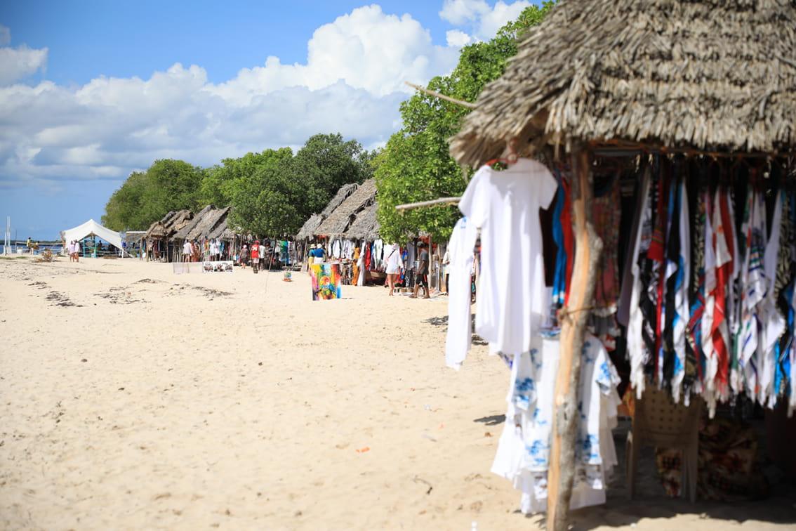 Рынок на пляже Занзибара